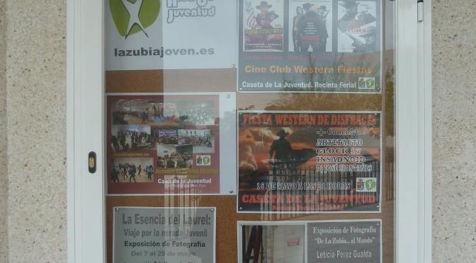 Paneles de Información del Área de Juventud en los Institutos del municipio
