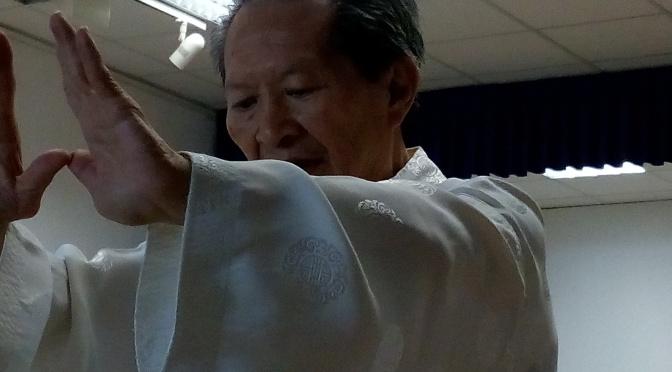 El Maestro Yuen Man Sin en la Casa de la Juventud
